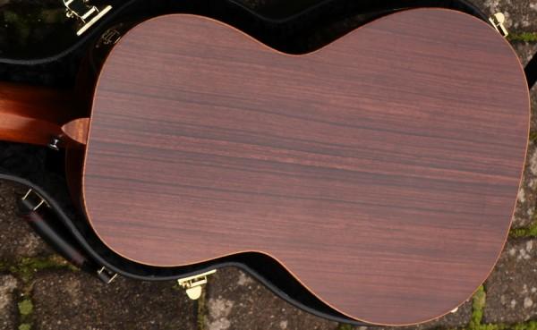 Breedlove - Custom Parlor Cedar Rosewood