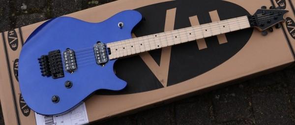 EVH - Wolfgang Std Mpl FB M Blue FR