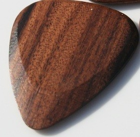 Timber Tones - SR1 Santos Rosewood Plektrum